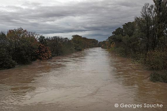 L'Hérault en crue, Pézenas 05/11/11